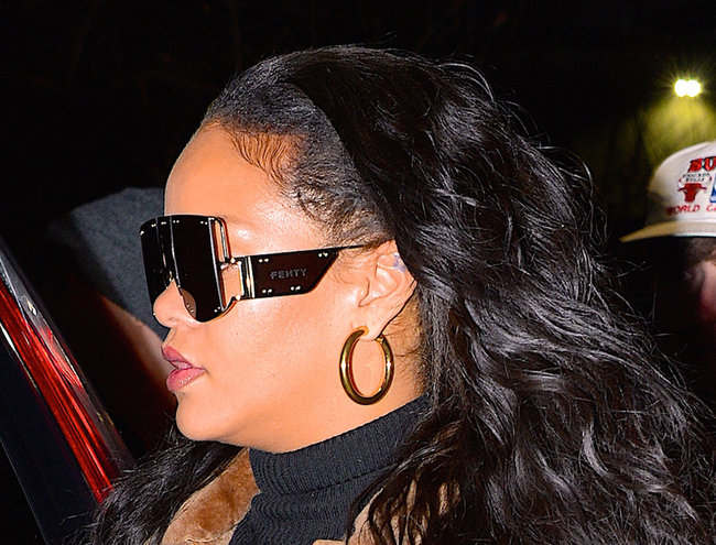 Does this mean Rihanna is about to drop a Fenty accessories line?